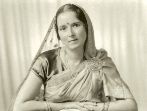 Savitri Devi, Invocation aux dieux, Yggdrasil